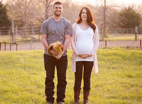 creative fall pregnancy announcement ideas