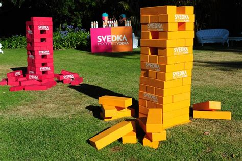 """Guests Played """"lifesize Jenga"""" Using Huge Game Pieces"""
