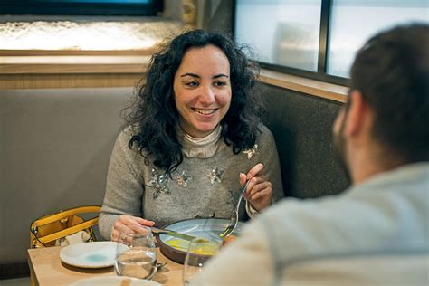 Page created on december 2014. Mon déjeuner avec Florence Porcel - Tribune de Lyon