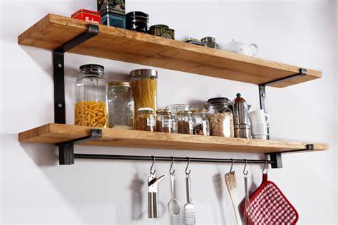 cuisine chene brut étagère de la cuisine grand acier et solide en bois chêne avec