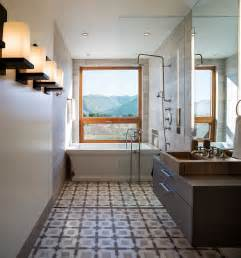 luxurious bathroom ideas framed to perfection 15 bathrooms with majestic mountain views