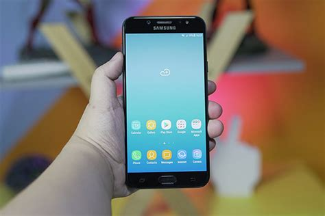 Thay Màn Hình Samsung J7 Plus Giá Bao Nhiêu Tiền?