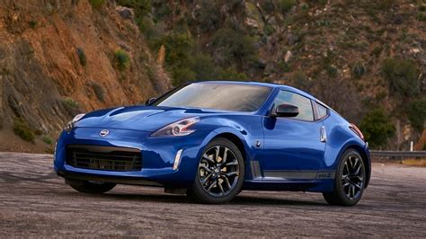 2021 Nissan 400Z Will Have 400 HP and Start Under $40,000 ...