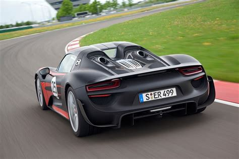 Find out why in this exclusive motor trend first test with original photos. Porsche's Ferrari 458 Rival Rumored to Feature 600HP 8-Cylinder Boxer Engine | Carscoops