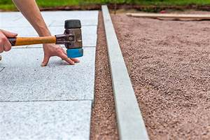 Pflastern Ohne Randsteine : natursteinplatten verlegen im splittbett so geht 39 s ~ Frokenaadalensverden.com Haus und Dekorationen