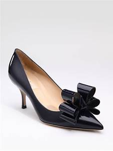 Valentino Versailles Patent Leather Bow Pumps In Black