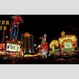New York Christmas Night   2880 x 1800 jpeg 1619kB