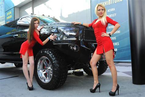 edecanes  modelos los mejores autos