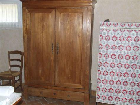 armoire ancienne noyer vendre