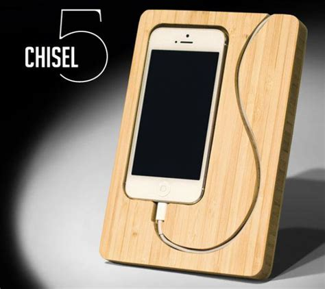 iphone dock the chisel 5 dock will hold your iphone snugly ubergizmo