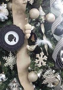 Noel Noir Et Blanc : d co sapin blanc nos id es pour un arbre de no l r ussi ~ Melissatoandfro.com Idées de Décoration