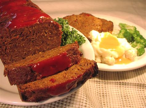 simple meatloaf recipe easy and basic meatloaf recipe table dasher