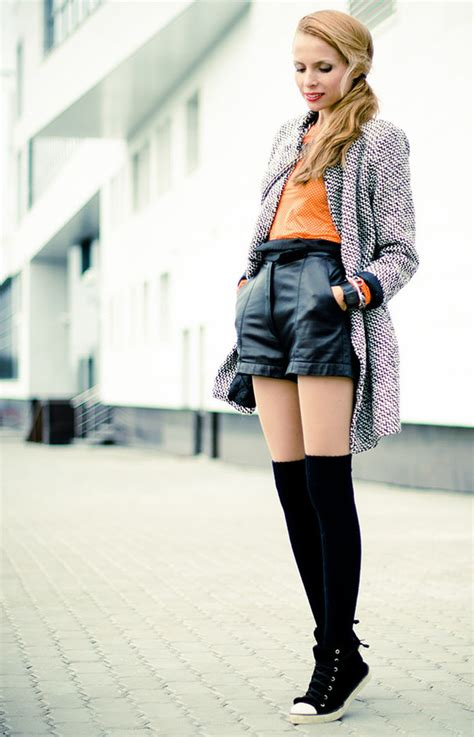 How to Wear Knee High Socks 19 Stylish Outfit Ideas - Style Motivation