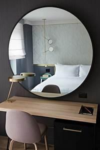 Miroir Mural Design Grande Taille : miroir grande taille beautiful le miroir luancienne esprit barbier cadre en laiton with miroir ~ Teatrodelosmanantiales.com Idées de Décoration