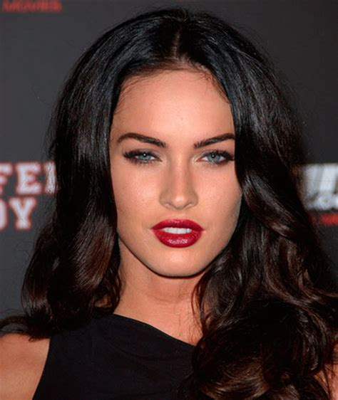 The Best Outfits That Match Red Lipstick u2013 BeautyFrizz