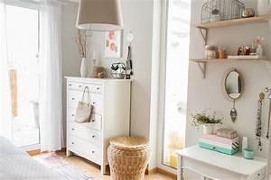 Schlafzimmer Ideen Deko : wandfarbe grau rosa ~ Markanthonyermac.com Haus und Dekorationen