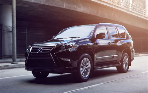 comparison lexus gx  luxury   toyota land