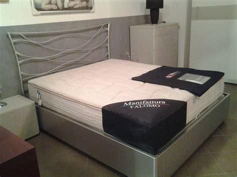 letto in ferro battuto con contenitore letto matrimoniale in ferro battuto con contenitore