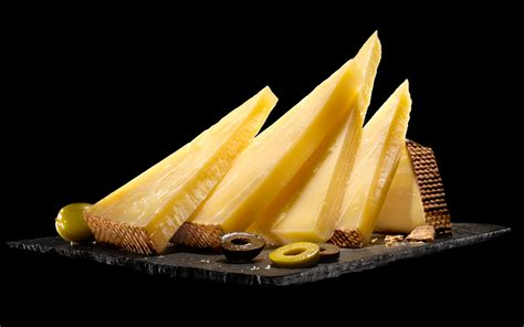 chaise gruyer buy kaltbach le gruyere aoc cheese at pong cheese