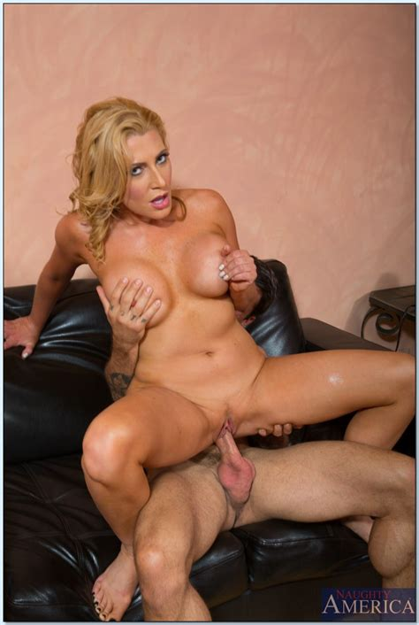 Daily Dose Of Sex Is A Must Photos Jennifer Best Alan