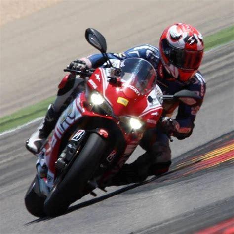 circuit moto journ 233 e de roulage en moto 6 s 233 ries de 20 min sur le circuit paul ricard driving center