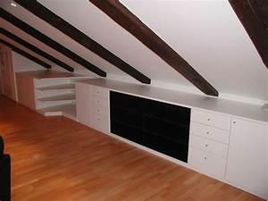 Wohnzimmer Mit Dachschräge : schr nke wohnzimmer m bel in der dachschr ge integriert ~ Lizthompson.info Haus und Dekorationen