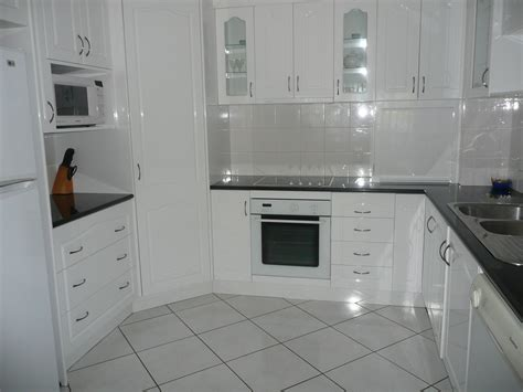 permanent kitchen islands accomodation bribie island the gums anchorage and