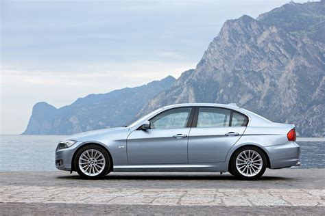 2011 Bmw 3-series Review, Specs, Pictures, Price & Mpg