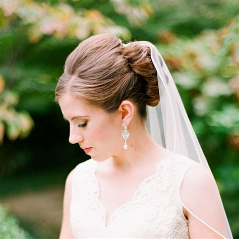 Wedding Hairstyles That Work Well With Veils