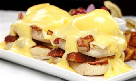 cuisiner du saumon frais recette pour le petit déjeuner sandwich matin aux œufs