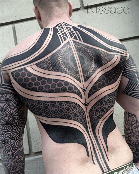 La Tendance Du Tatouage Blackout (blackout Tattoo