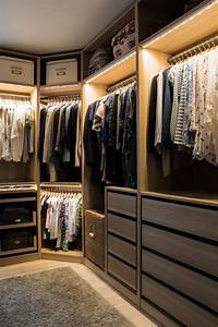 Walk In Closet : 21 practical walk in closet ideas rhythm of the home ~ Watch28wear.com Haus und Dekorationen