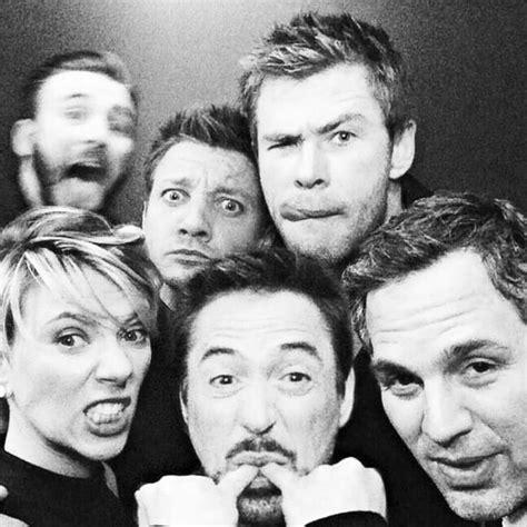 Avengers Endgame Star Jeremy Renner Shares Groupfie
