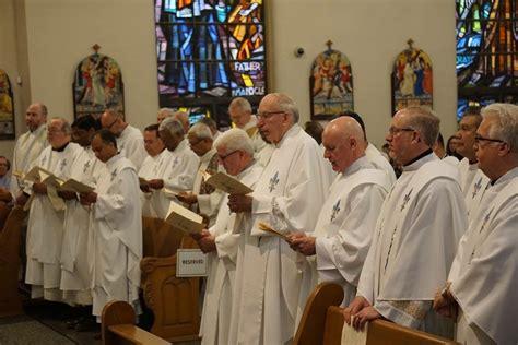 chrism mass st thomas aquinas cathedral st joseph catholic