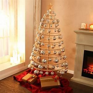 Weihnachtsbaum Aus Holzlatten : baum in spiralform ~ Markanthonyermac.com Haus und Dekorationen