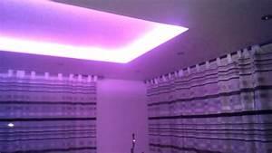 Indirekte Beleuchtung Abgehängte Decke : led rgb indirekte beleuchtung abgeh ngte decke youtube ~ Indierocktalk.com Haus und Dekorationen