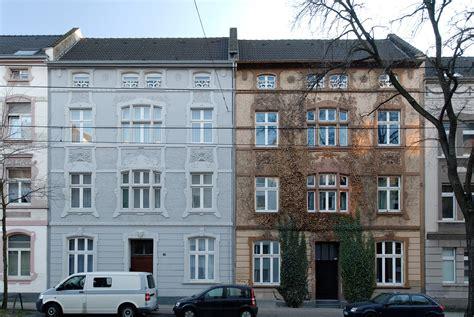 Häuser Kaufen Um Düsseldorf by Datei Haeuser Oberbilker Allee 327 Und 329 In Duesseldorf