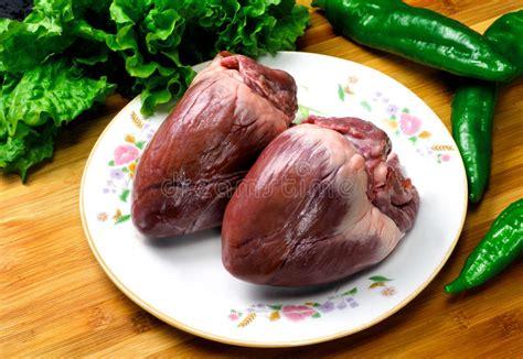 cuisiner coeur de porc coeur de porc image stock image du cuisine entier cuit