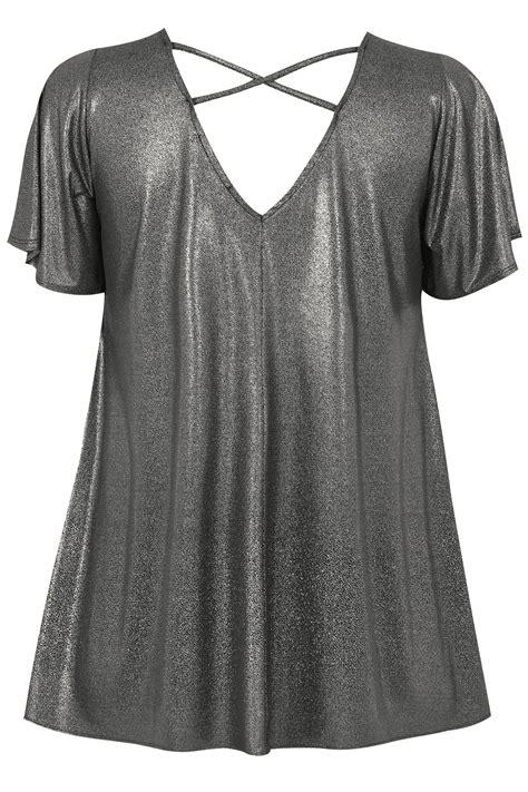 Shirt In Glänzender Metallicoptik  Silber, Große Größen
