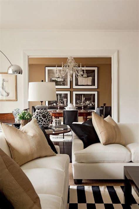 canapé pour salon le canapé beige meuble classique pour le salon
