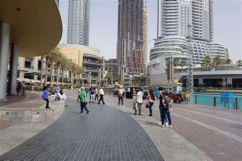 waterfront promenade dubai restaurants view   fountain