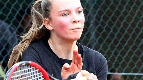 Sophie Juenke Bei Gensunger Tennis-jugendturnier Erst Im
