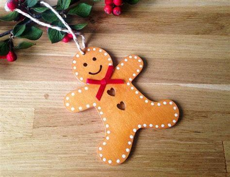 10 Unique Wooden Christmas Decorations To Melt Your Heart