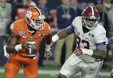 Alabama beats Clemson 45-40 to win college football ...