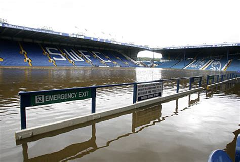 Cup replays fall to weather | Daily Mail Online