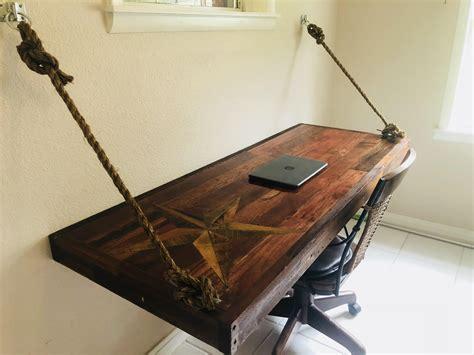 nautical star wood desk    cedar pallets