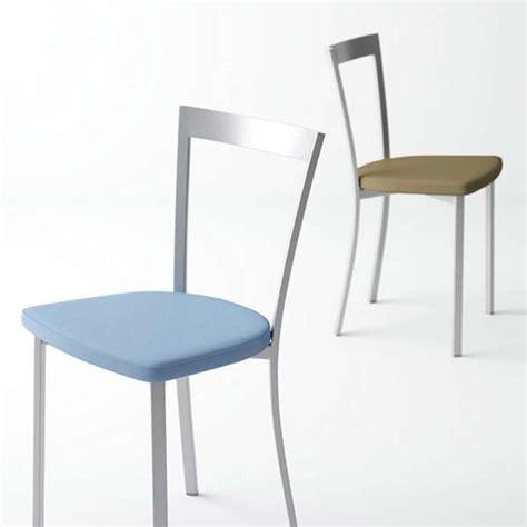 chaise de cuisine moderne en synthétique et métal spirit