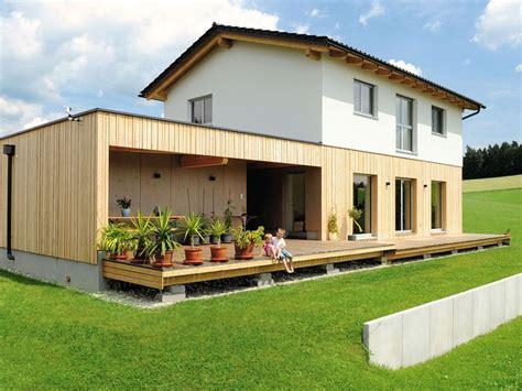 Haus Mit Holzfassade by Holzriegel Haus Mit Holzfassade Im Erdgescho 223 House