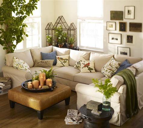 ideas for small living spaces ideas for decorating a small living room space pictures 03