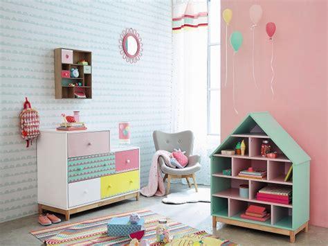 chambre fille pastel décoration bibliothèque déco sphair